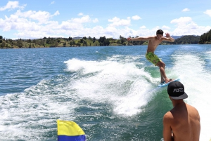 From Medellin or Guatapé: Wakeboarding at Peñol-Guatapé