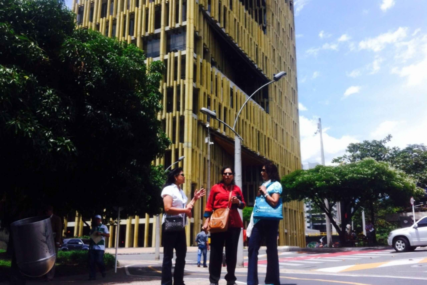 Medellín: 4-Hour Religious and Historical Tour