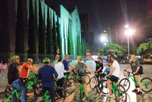 Medellin: Bike City Tour with Local Food and Drink Tastings