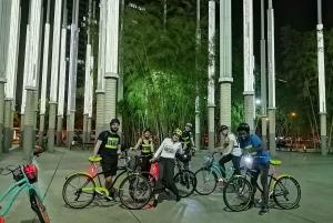 Medellín: Guided City Bike Tour