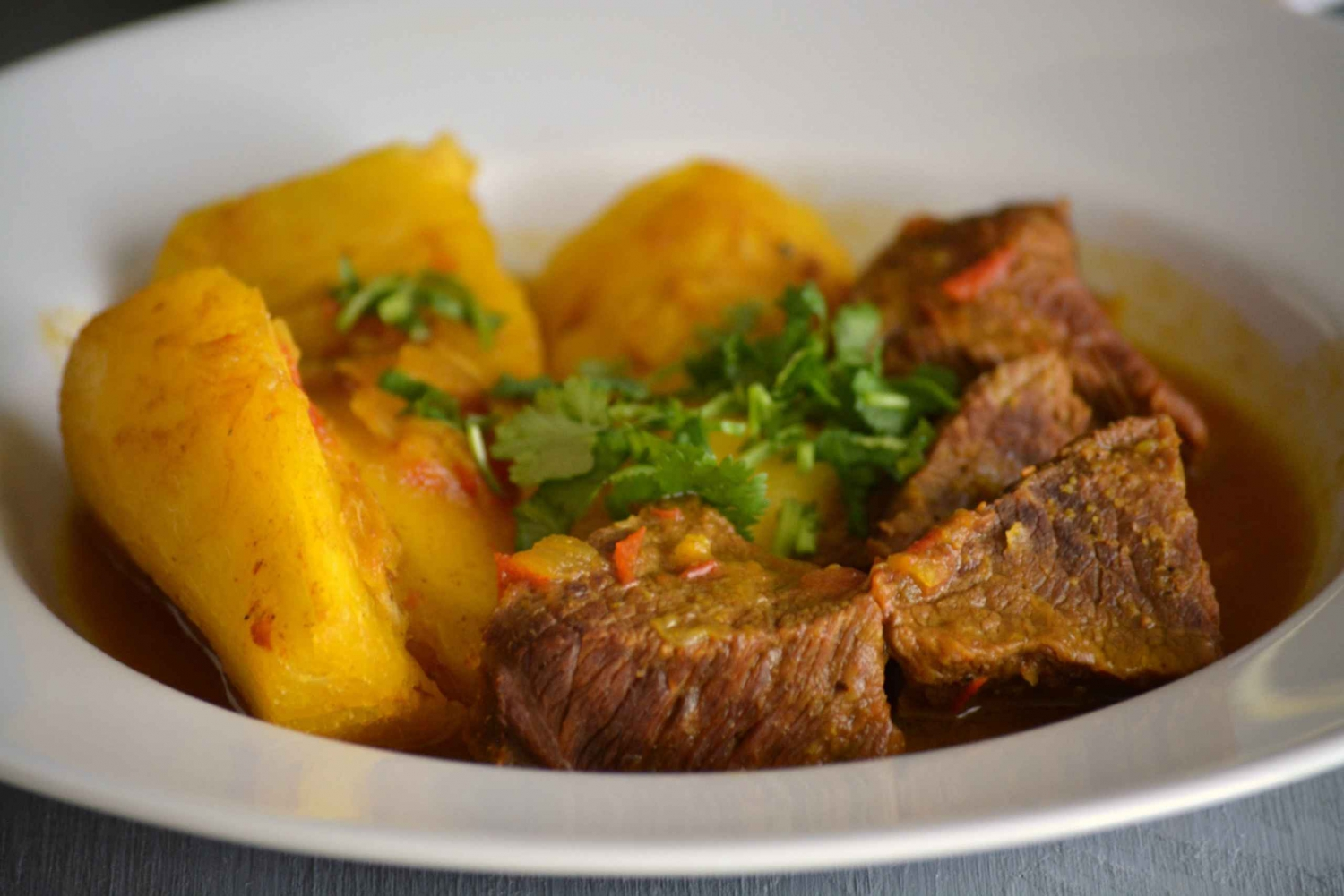 Medellin Home Cooked Food Tour with a Paisa Family