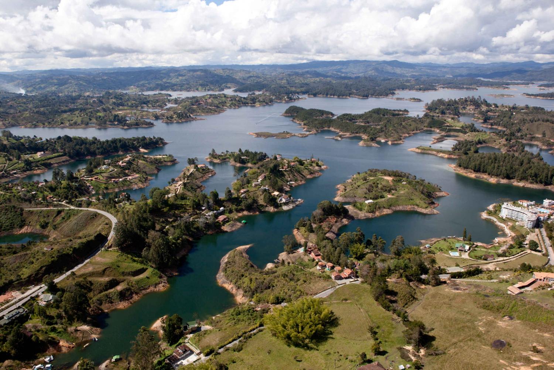 Medellín to Guatapé and El Peñol Round-Trip Tour
