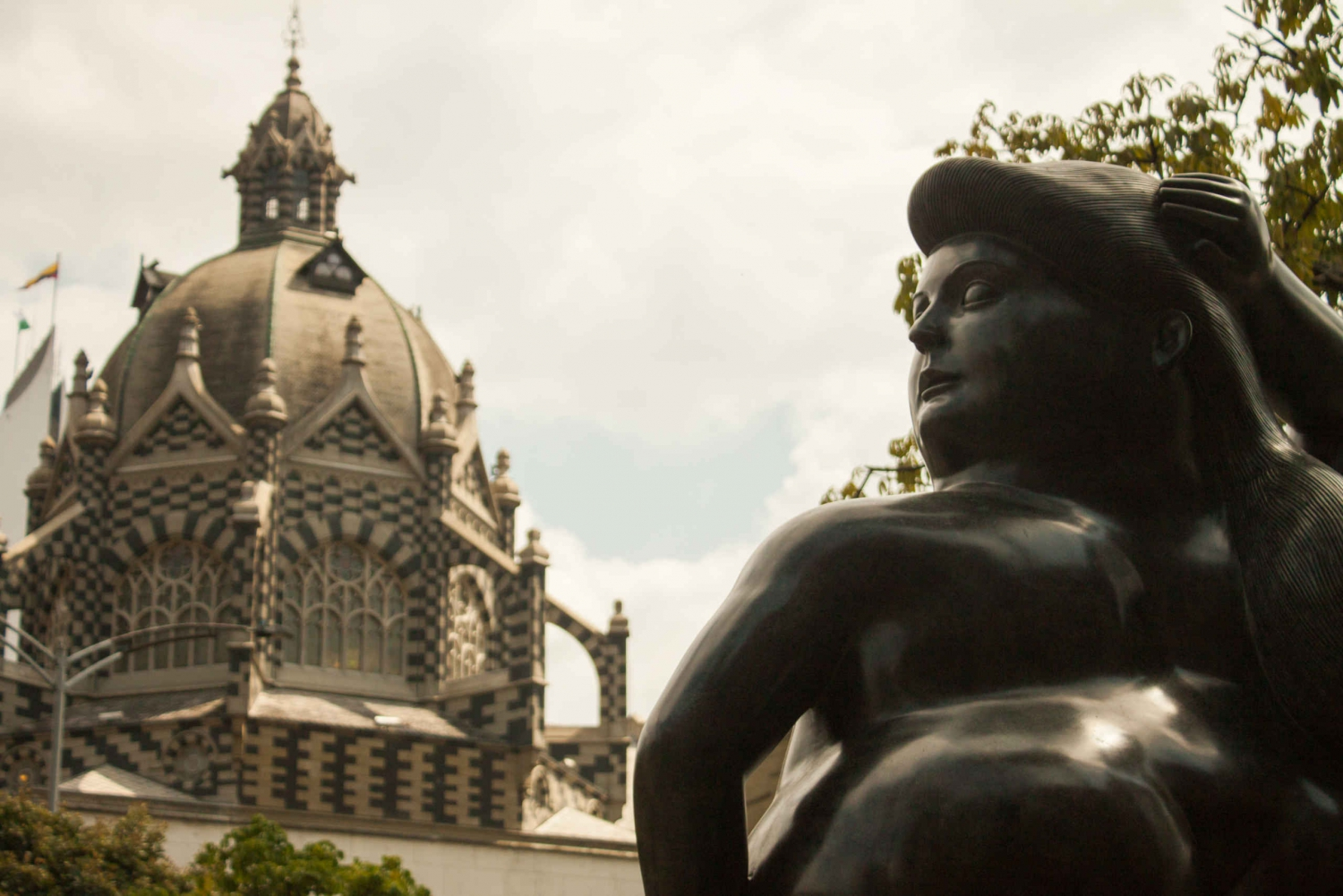 Medellín Walking Tour: Art of Fernando Botero