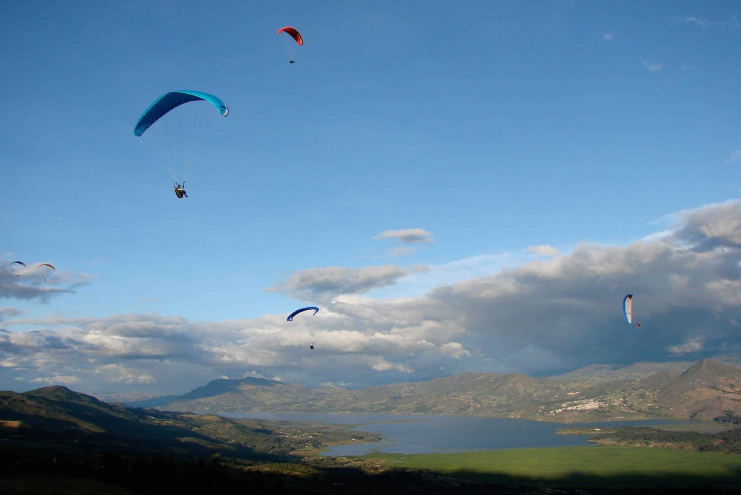 Paragliding Activity with Transfers from Bogota