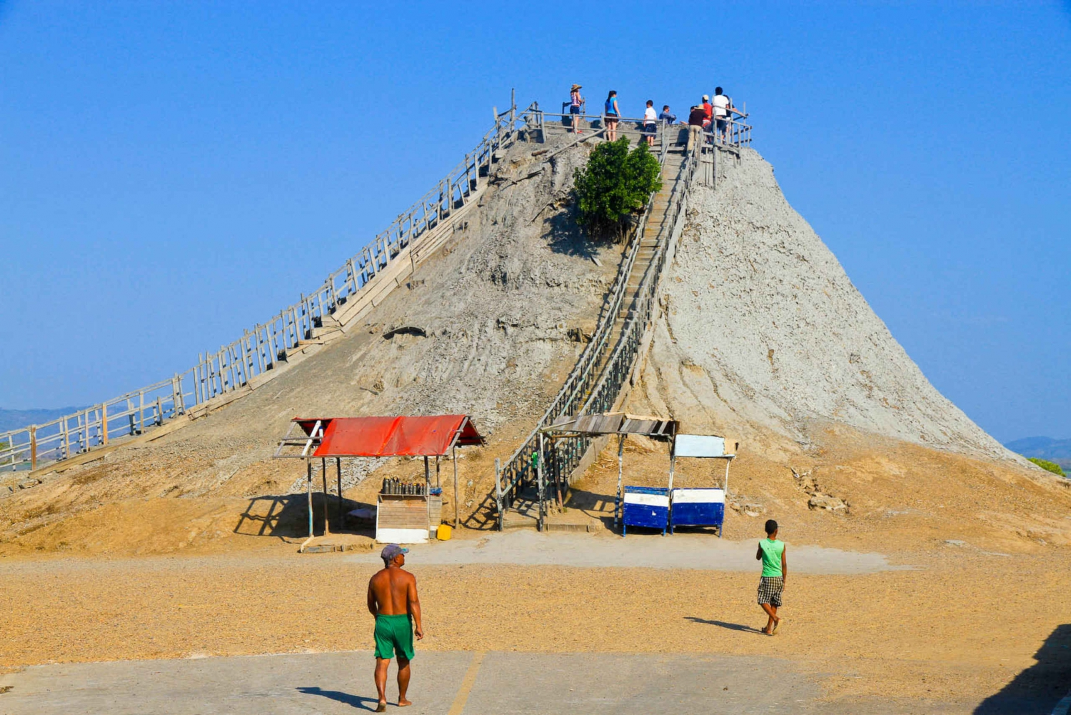 Totumo Volcano and Mud Baths: Day Tour from Cartagena