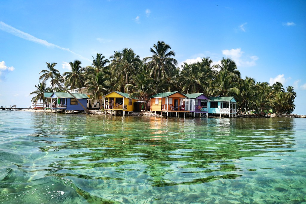 Beaches and scuba diving in Belize