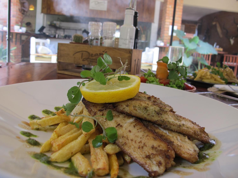 Lunch at Dean's Restaurant in Victoria Falls