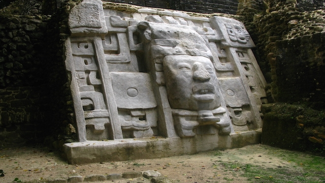 Mayan ruins that you cannot miss in Belize