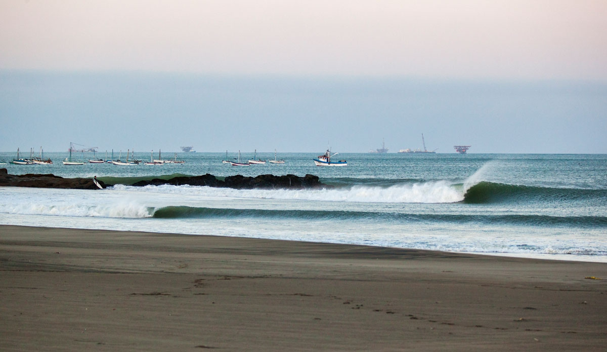 Meet The 3 Best Beaches To Surf in Peru