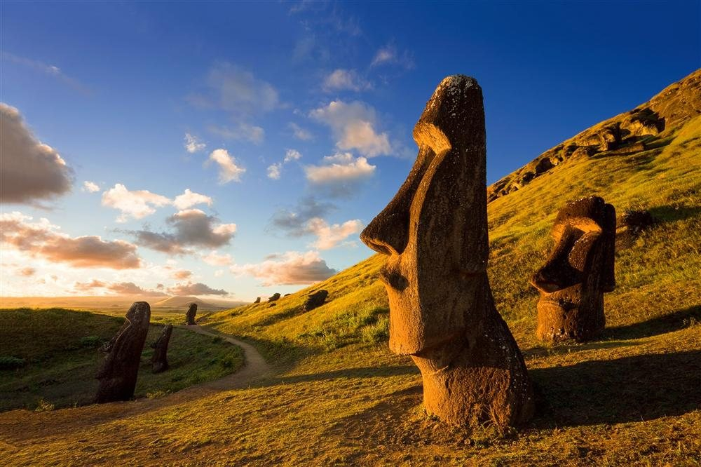 Moai kava kava is auctioned in Paris for 958 thousand dollars