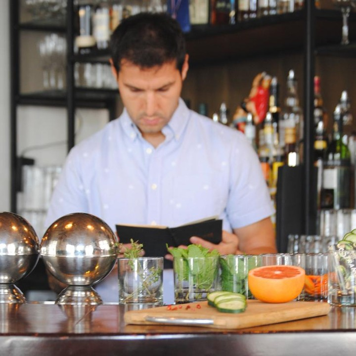 Origins and history of mixology