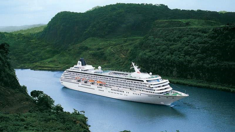Panama Canal breaks record with the passage of cruise of 5,000 passengers