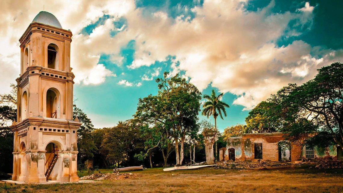 Valle de los Ingenios and Playa Ancón, two emblematic places of Trinidad