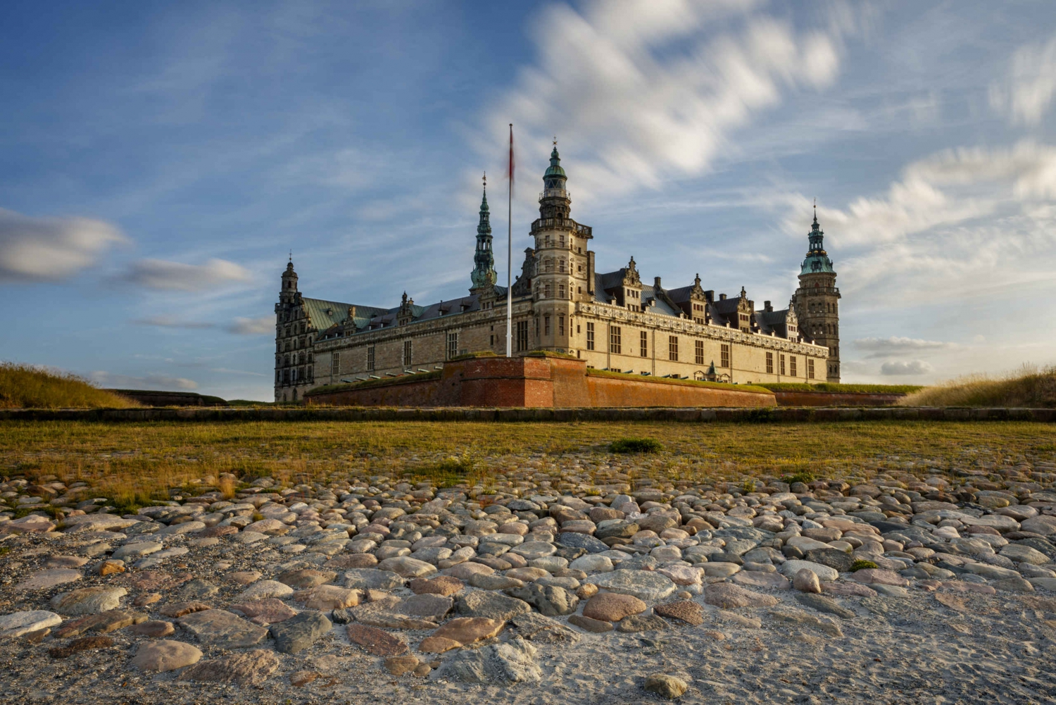Exclusive Castle Tours of Hamlet's Kronborg & Frederiksborg