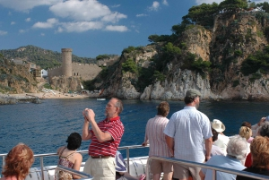Costa Brava: Boat Ride and Tossa Visit with Hotel Pickup