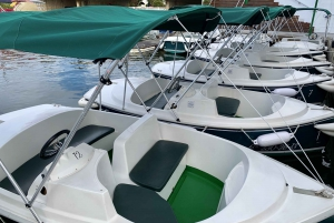Empuriabrava: Electric Boat Rental
