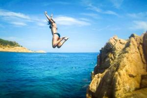 From Barcelona: 8-Hour Costa Brava Kayak and Snorkel Tour