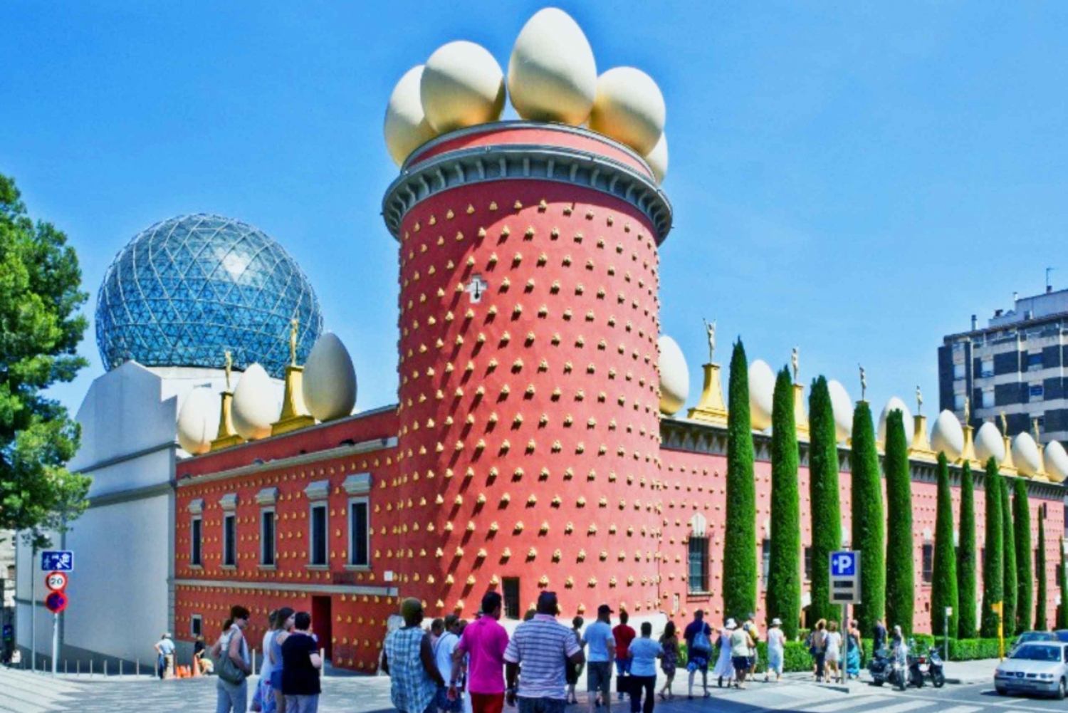 Girona and Figueres Full-Day Tour from Barcelona