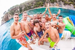 Lloret de Mar: 3.5-Hour Group Celebration Cruise