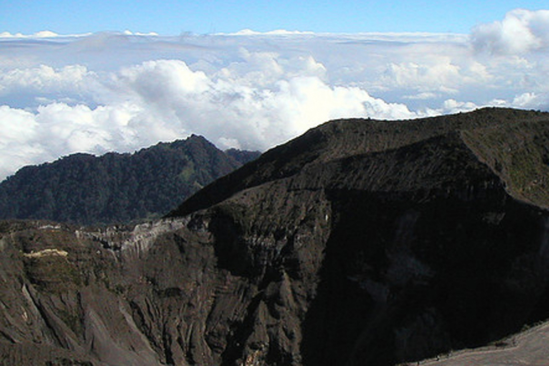 Irazu Volcano, Orosi Valley & Lankaster Garden from San Jose