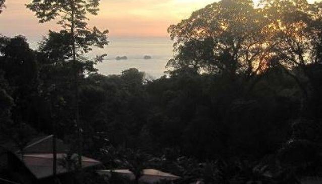 Mar y Selva Ecolodge