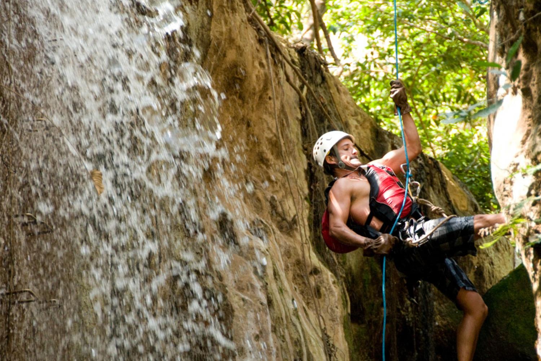 Rio Colorado: Canyoneering Tour with La Victoria Waterfall