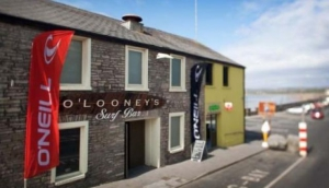 O'Looney's Surf Bar and Night Club