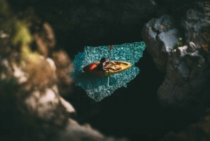 Cape Kamenjak: Kayak Tour with Cave Experience