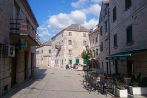 Dalmatia: Blue and Red Lake and Wine Tasting
