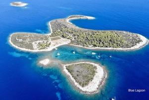 Dalmatia: Private Full–Day 5–Islands Speedboat Tour