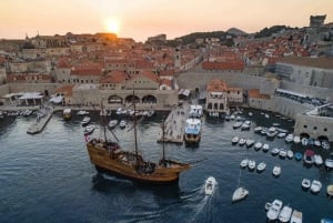 Dubrovnik: 2-Hour Sunset Cruise with Dinner