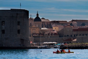 Dubrovnik: 3-Hour Sunset Kayaking Tour with Snack and Wine