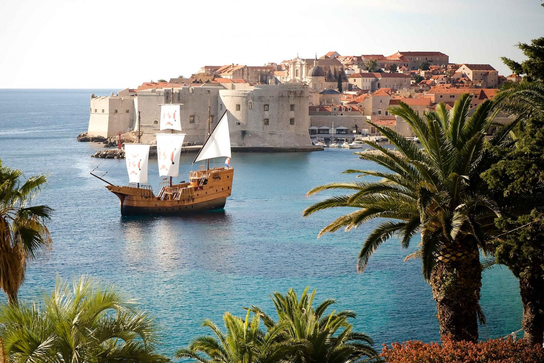 Dubrovnik: Elafiti Islands Day Cruise on a Karaka Ship