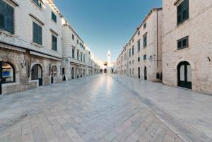 Dubrovnik Traditional Food Tour
