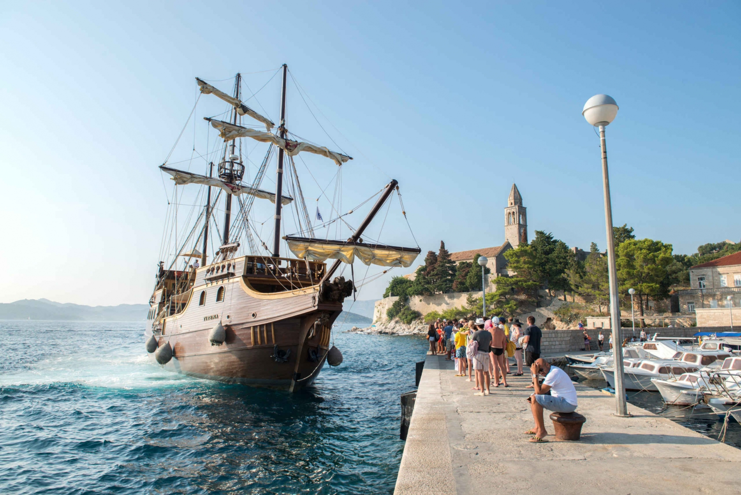 Elafiti Islands Full-Day Cruise by Galleon from Dubrovnik