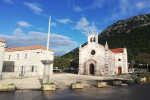 From Split & Trogir: Pelješac Peninsula Food & Wine Tour
