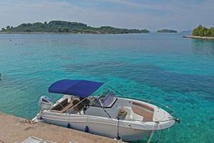From Trogir: Three Islands Half-Day Speedboat Tour