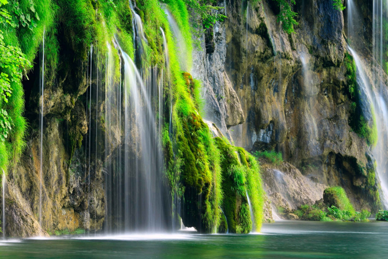 From Zadar: Plitvice Lakes National Park Tour