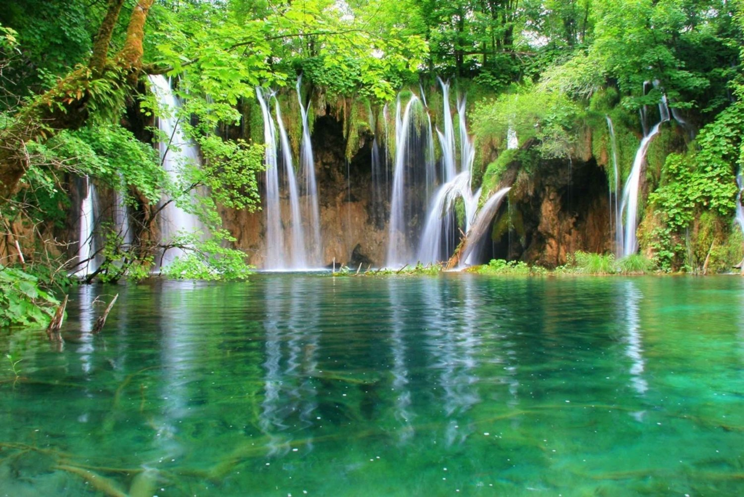 From Zagreb: Plitvice Lakes Full-Day Guided Tour
