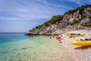 Full-Day Kayaking Tour in Dugi Otok from Zadar
