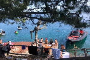 Hvar Nightlife Tour: A Town for all Party Lovers
