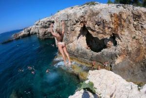 Premantura: Sea Cave Kayak Tour