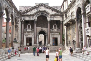 Split: 1.5-Hour Walking Tour and Diocletian's Palace