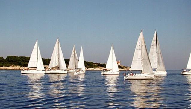 Ultra Sailing Yacht Charter