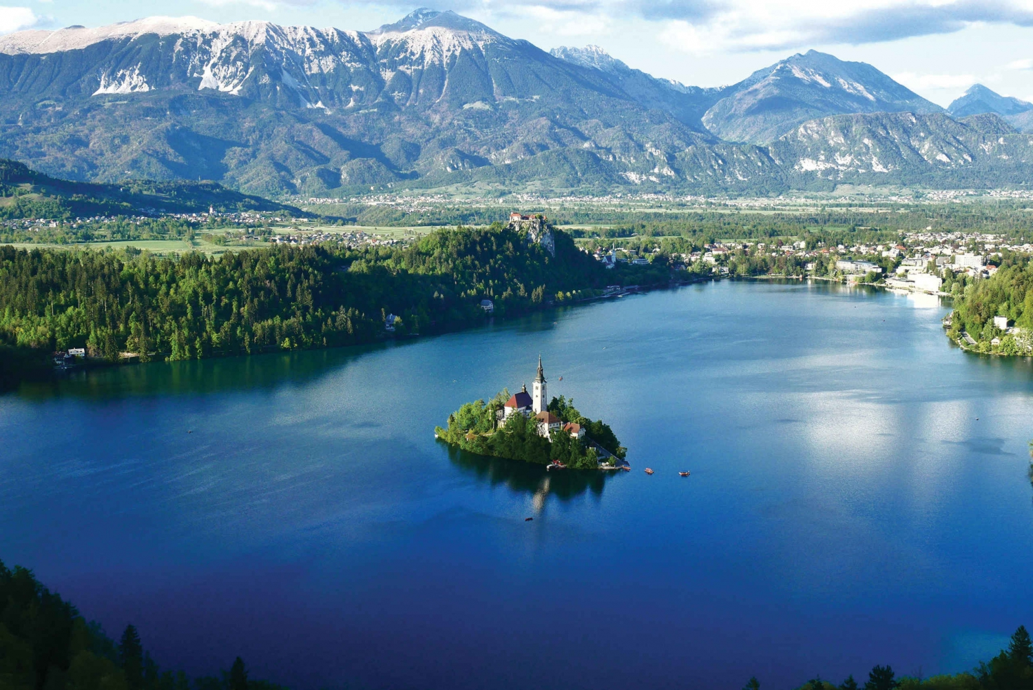 Zagreb: Ljubljana Castle and City & Bled Island Guided Tour