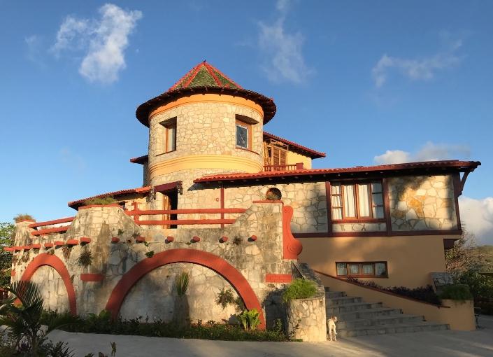 Hotel Castillo in Las Nubes