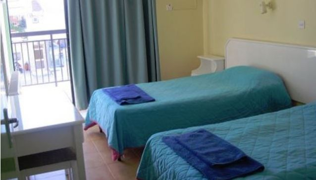 Amaos Rooms Ayia Napa