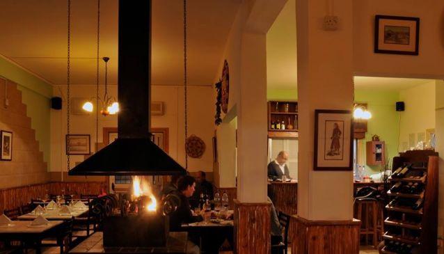 Louis Taverna & Restaurant