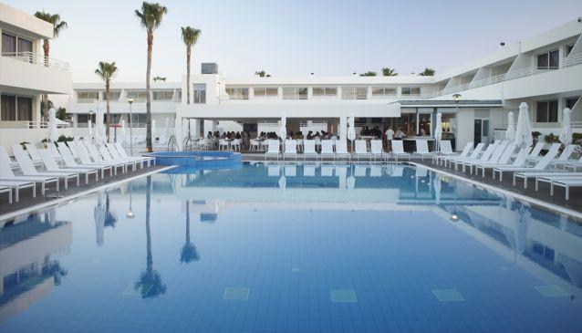 Melpo Antia Luxury Apartments and Suites