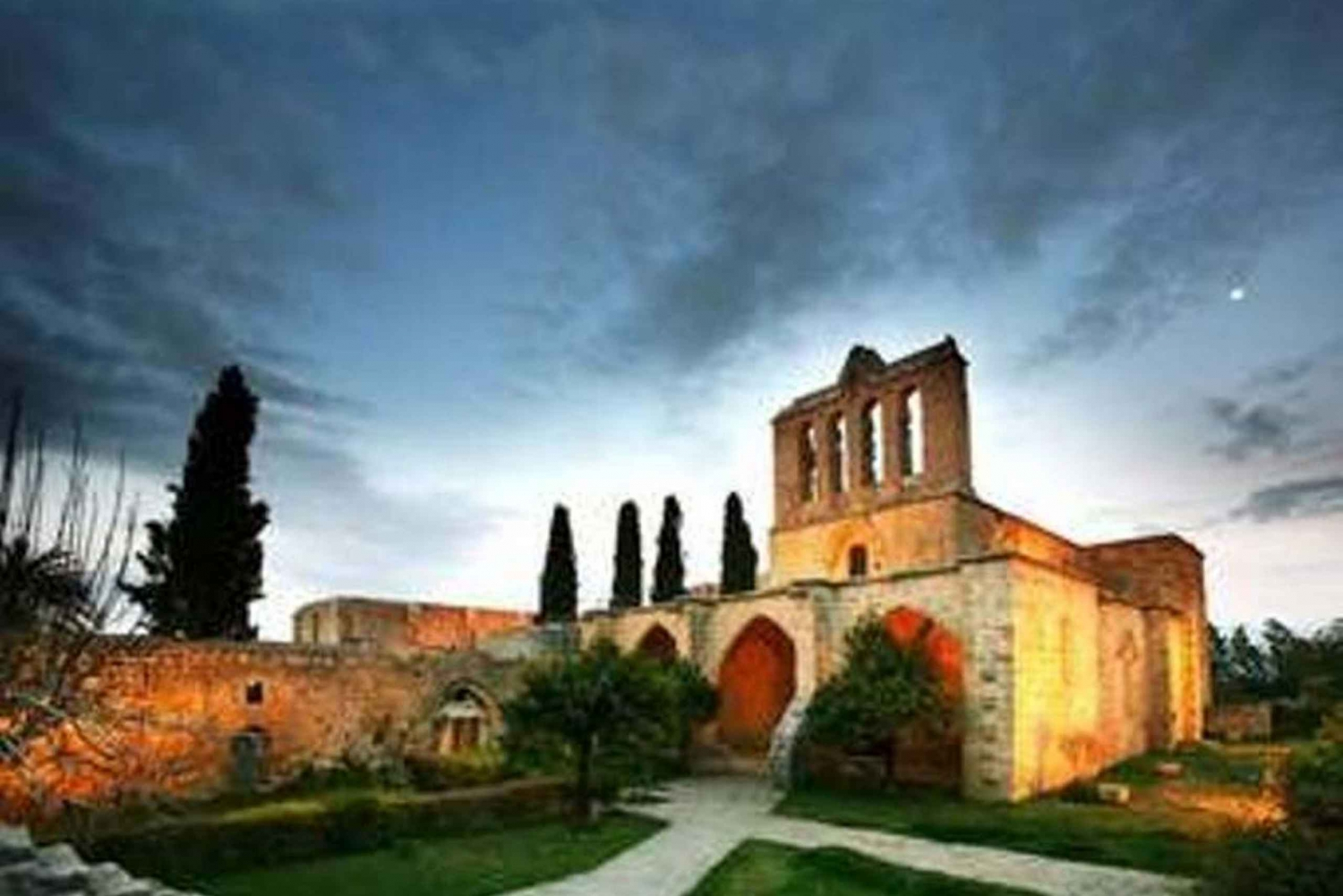 Nicosia and Kyrenia Full-Day Sightseeing Tour